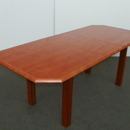 Viki asztal